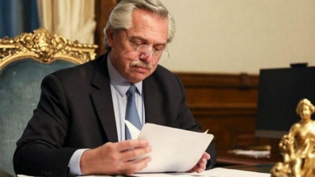 Una encuesta muestra a Alberto con alto nivel de aprobación y a Macri como líder opositor